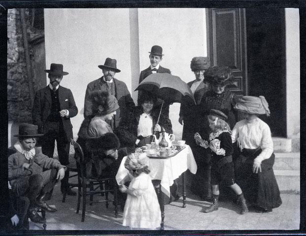 1911. La famille Le Sidaner, Camille Mauclair, Francis Jourdin, Remy Duhem, Ö Villefranche